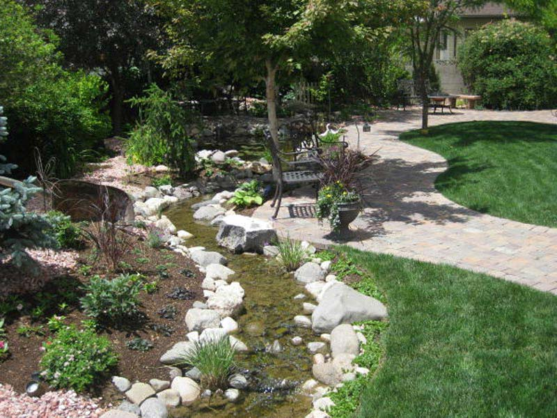 Backyard-Landscape-Design-Images