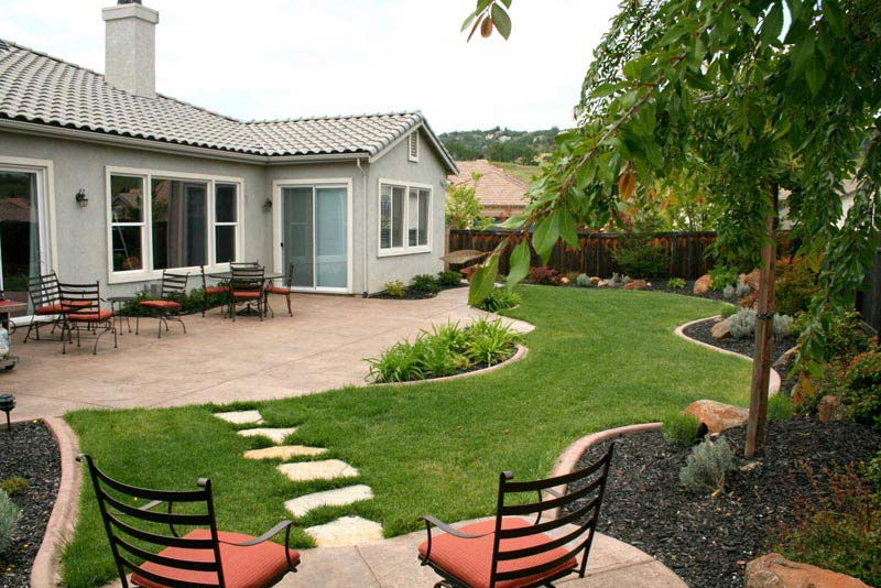 Backyard-Landscaping-Designs-Free
