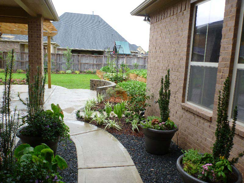 Backyard-Landscaping-Houston