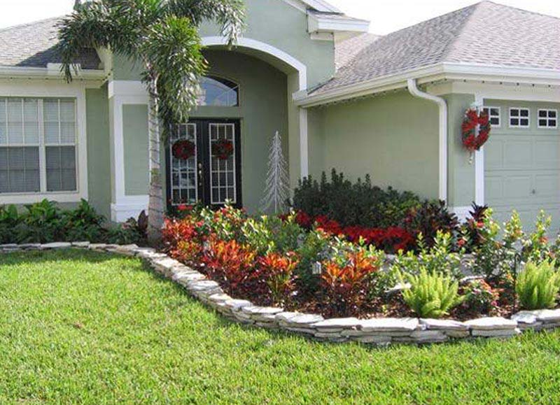 Budget landscaping ideas front yard landscape design for Garden design front of house