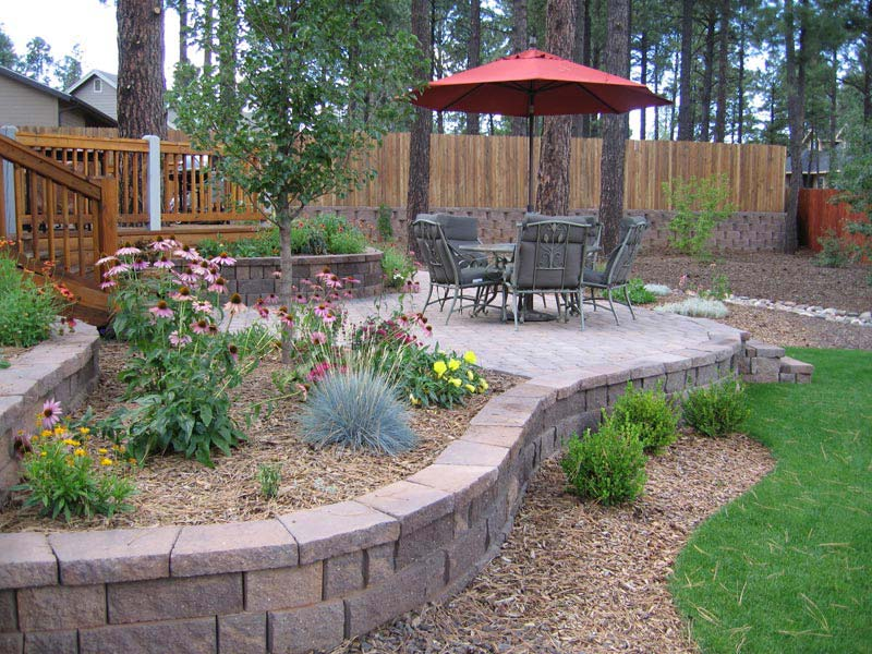 Cheap-Landscaping-Ideas-For-Backyard