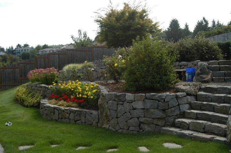 Cheap-Landscaping-Ideas-For-Slopes