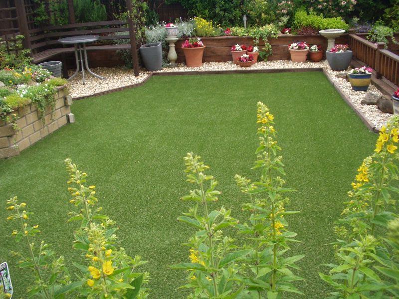 Cheap-Lawn-Edging-Ideas-Uk