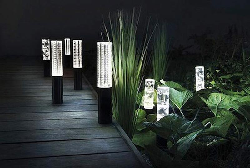 Cheap-Outdoor-Landscaping-Lights