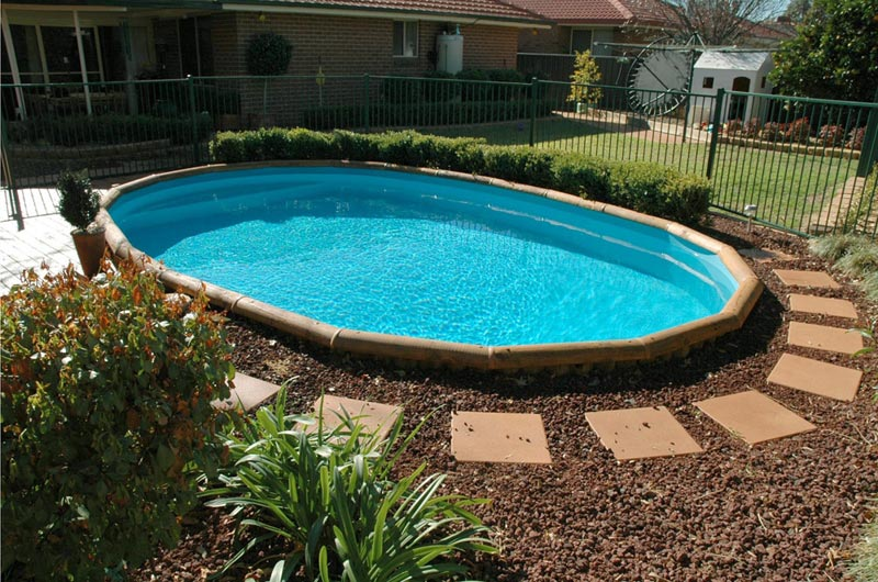 Cheap-Pool-Landscaping-Ideas