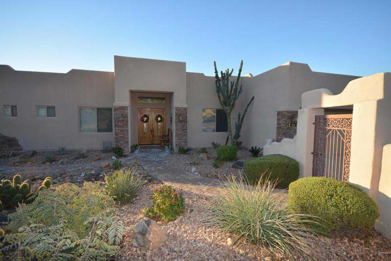 Desert-Landscaping-Ideas-For-Front-Yard