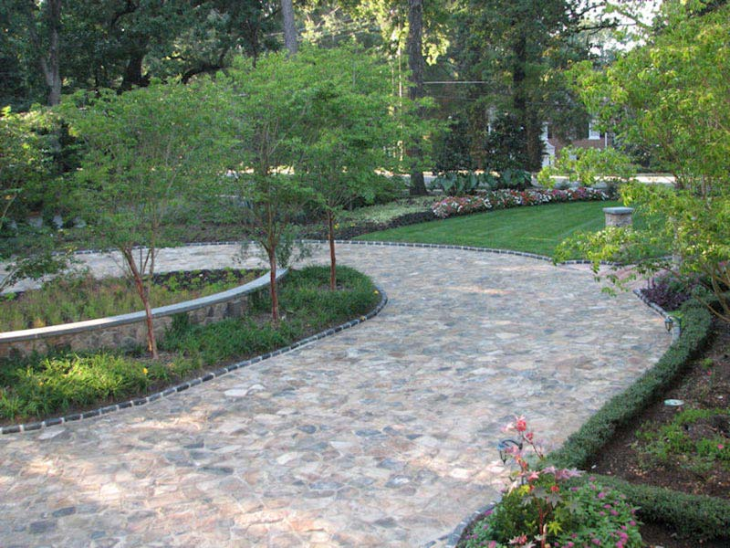 Driveway-Landscaping-Ideas-Quinceaneras