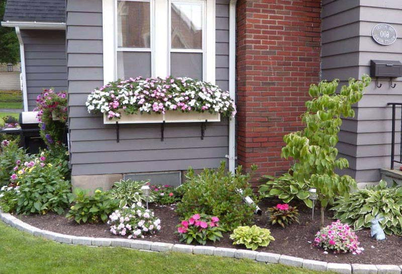 Flower beds for front of house landscape design for Landscape design ideas front of house