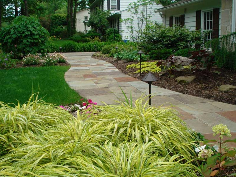 Hardscape-Ideas-Front-Yard