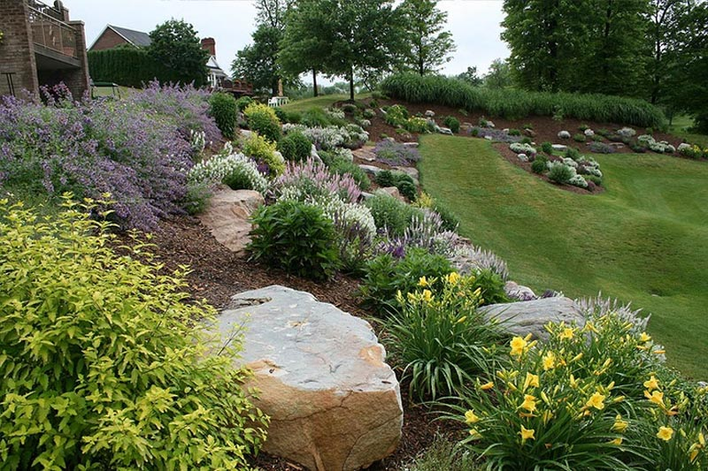 Hillside-Landscaping-With-Rocks