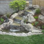 How-To-Landscape-Your-Yard-With-Mulch