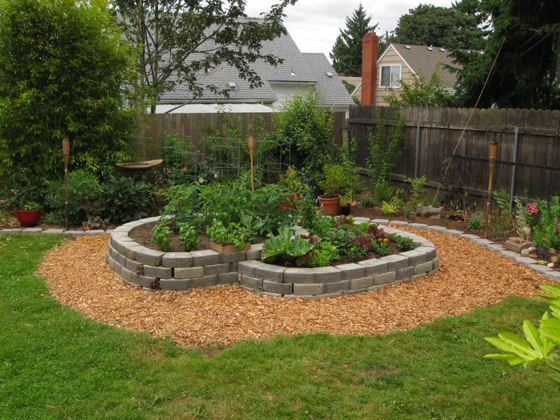 Inexpensive-Landscaping-Ideas-For-Small-Yards