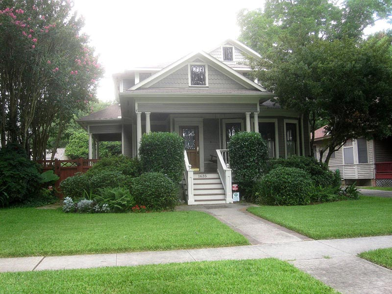 Landscaping-Ideas-For-Front-Yard-With-Porch