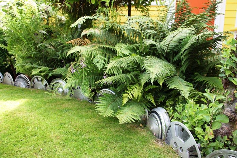 Lawn-Edging-Stone-Ideas
