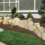 Low-Cost-Landscaping-Ideas-For-Front-Yard
