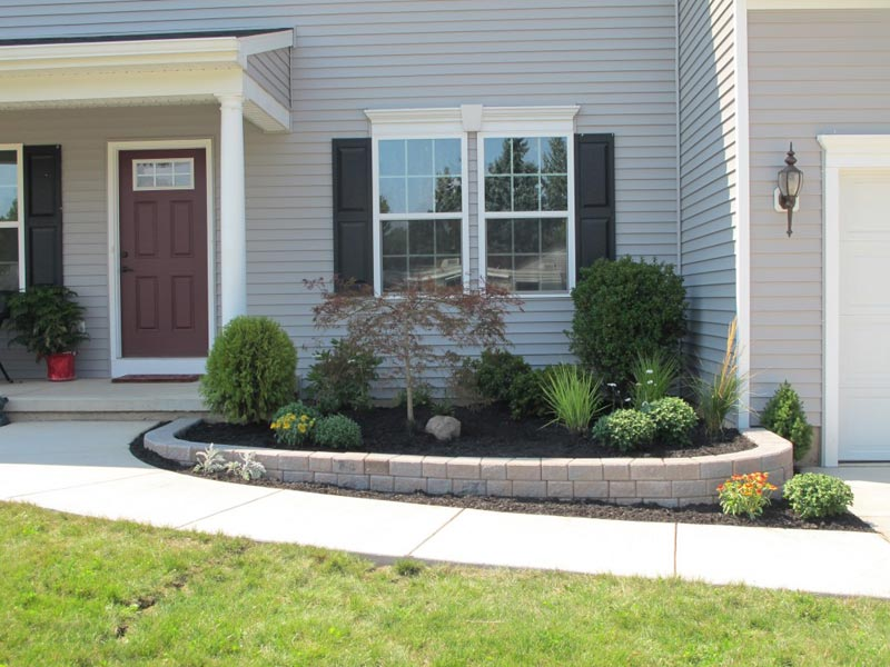 Low-Maintenance-Landscape-Ideas-Front-Yard