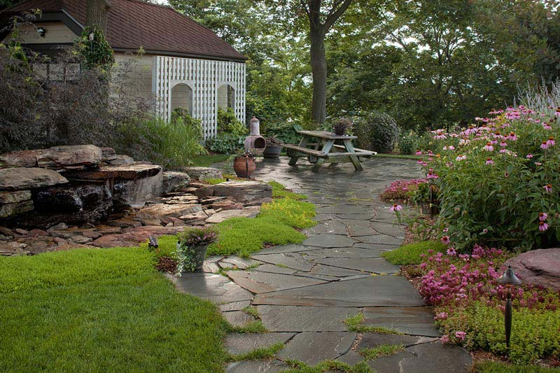 Top residential landscape design for the garden decoration for Residential garden design