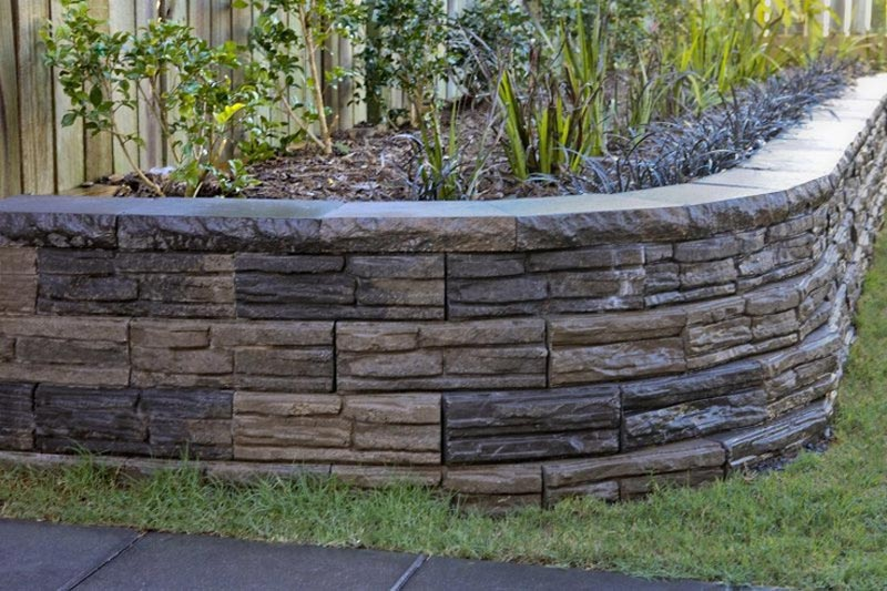 Retaining-Wall-Ideas-For-Backyard