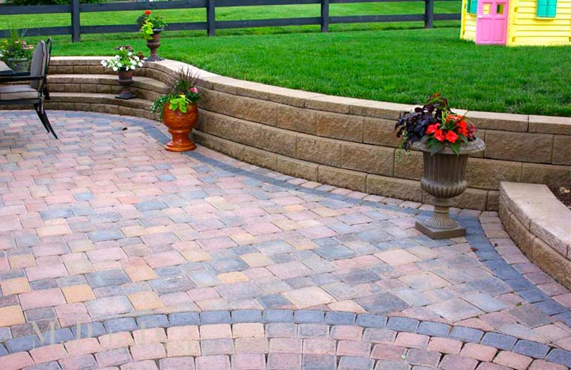 Retaining-Wall-Patio-Ideas