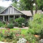 Rustic-Landscaping-Ideas-For-Front-Yard