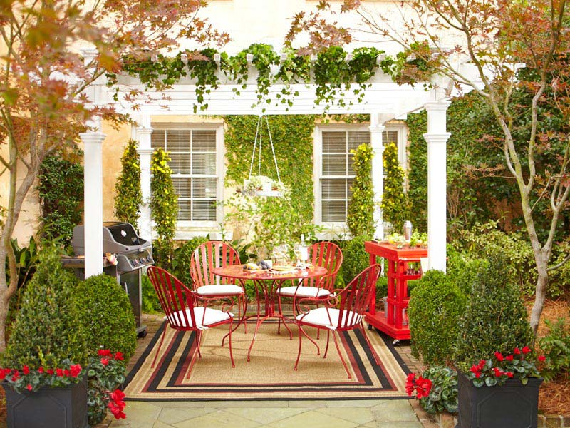 Small-Backyard-Decorating-Ideas