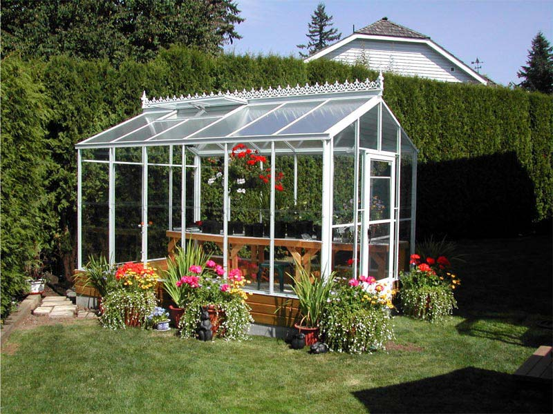 Small-Backyard-Greenhouse-Ideas