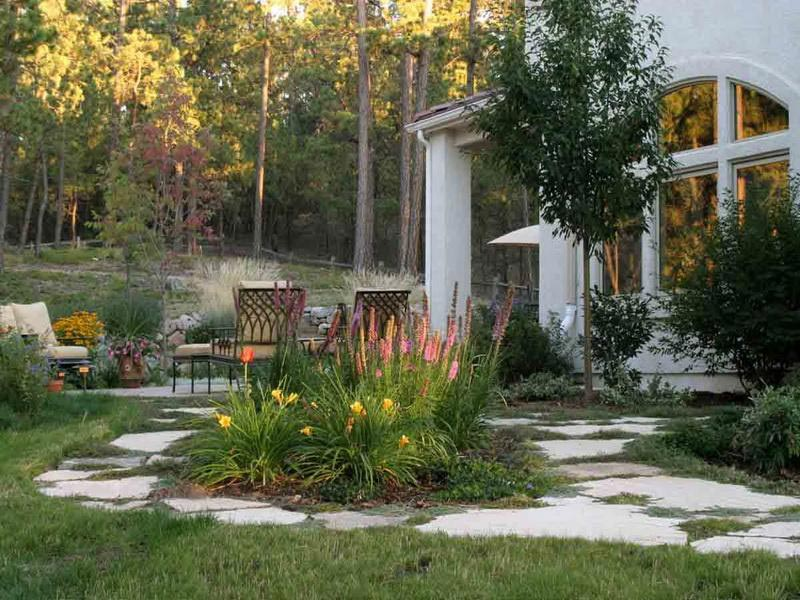 Small-Backyard-Retreat-Ideas