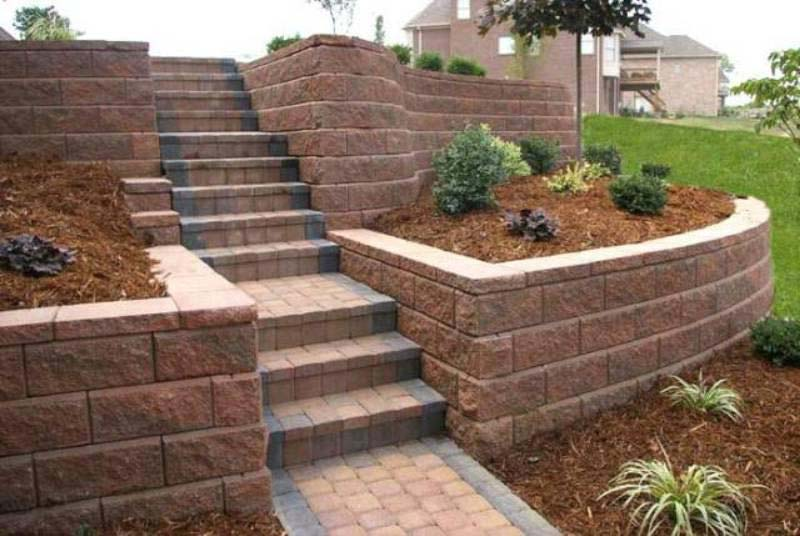 Tiered retaining wall ideas landscape design for Garden wall ideas