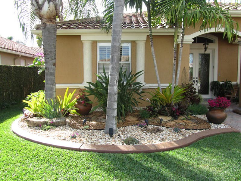Tropical-Landscaping-Ideas-Small-Front-Yard