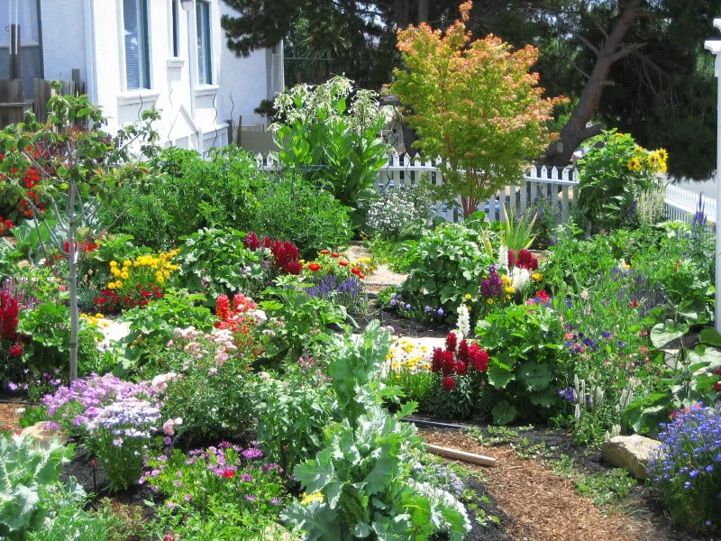Ideas for flower garden designs landscape design for Home flower garden ideas
