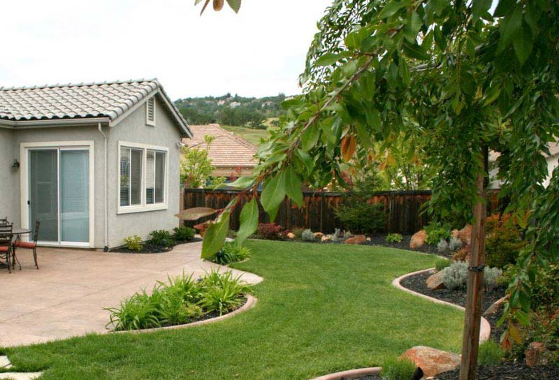 Backyard-Landscaping-Design-Ideas-On-A-Budget