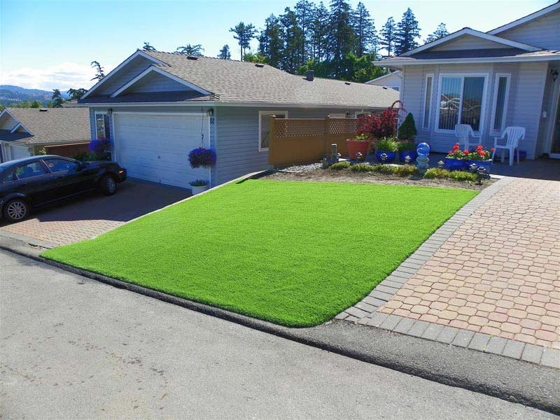 Front-Yard-Landscaping-With-Artificial-Turf