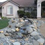 Front-Yard-Landscaping-With-Rocks