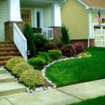 Small-Front-Yard-Landscaping-Ideas-On-A-Budget