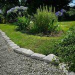 Lawn-Edging-Pavers