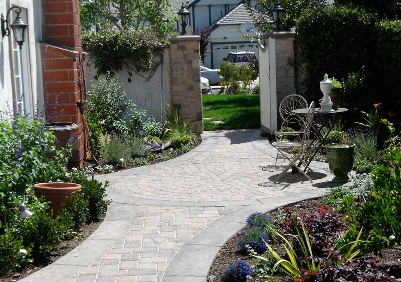 Side-Yard-Landscaping-Pictures