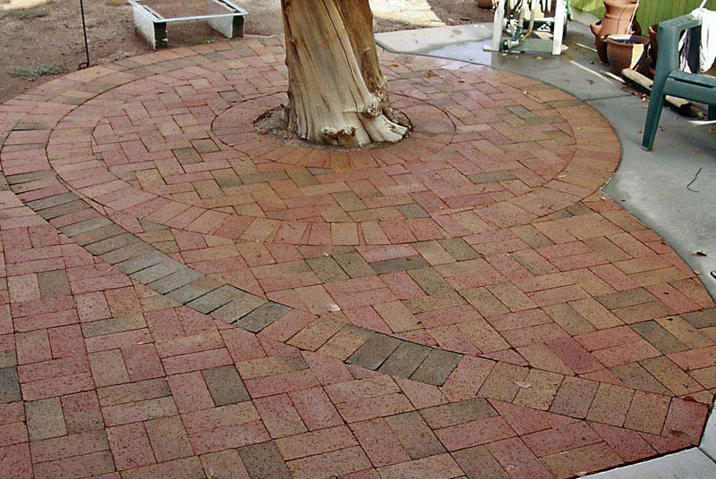 Small-Backyard-Paver-Designs