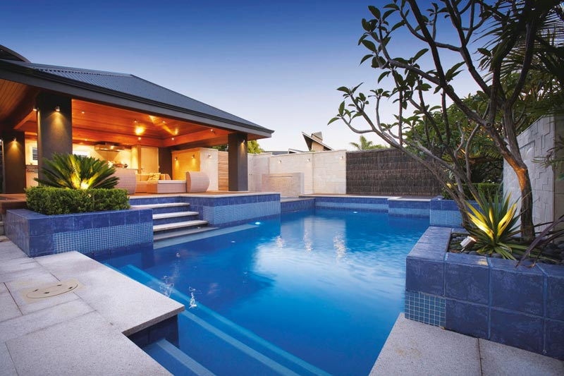 Backyard-Swimming-Pool-Landscaping-Ideas