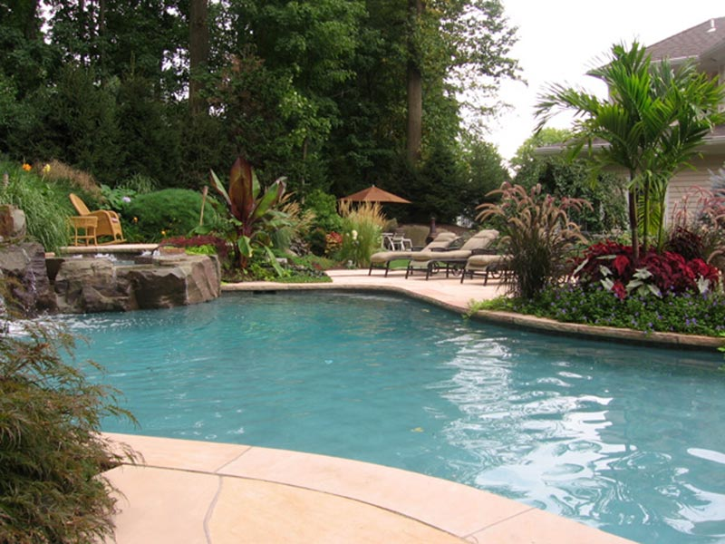 Landscape-Design-Ideas-For-Pool-Areas