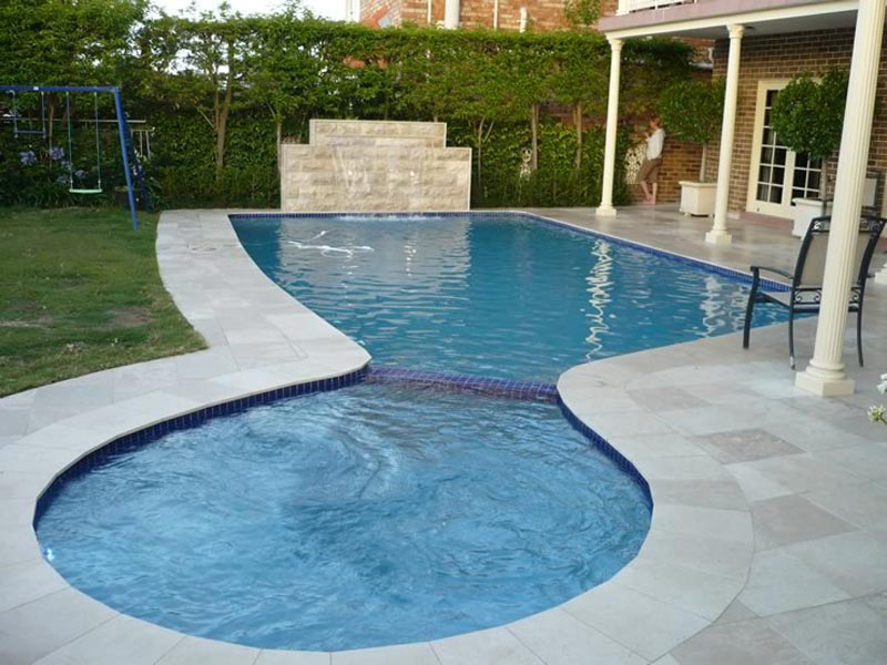 Landscaping-Around-A-Inground-Pool