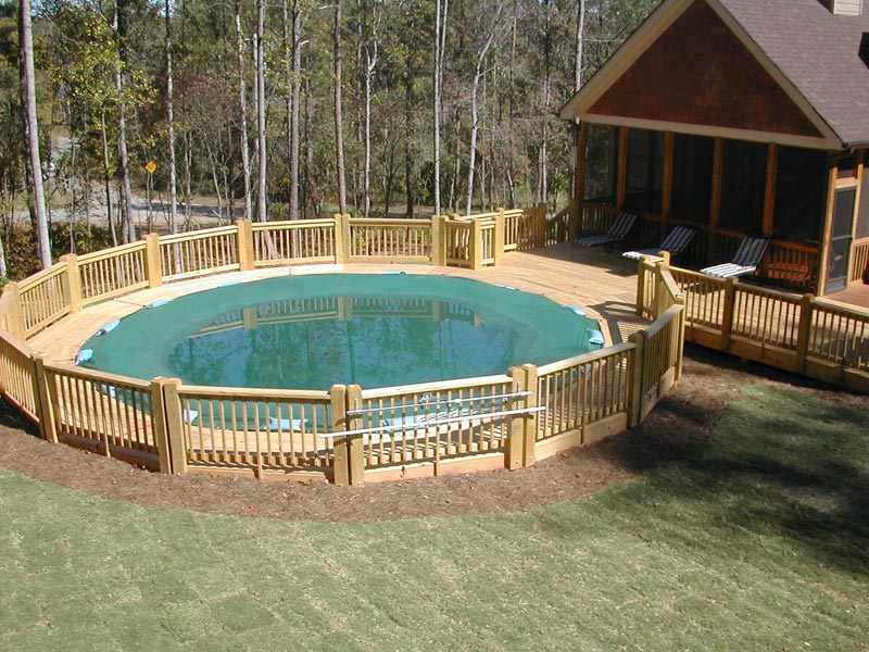 Landscaping-Around-Above-Ground-Pool-Area