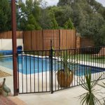 Landscaping-Ideas-Around-Pool-Fence