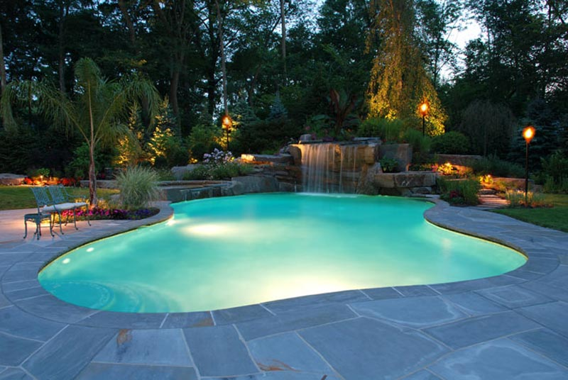 Swimming-Pool-Landscaping-Designs