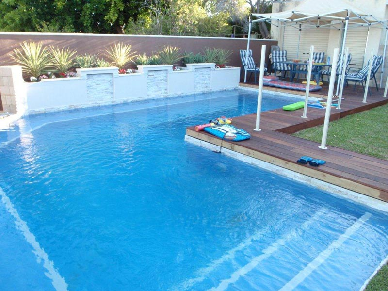 Top swimming pool landscaping facilities and ideas for Above ground pool landscaping ideas australia