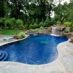 Swimming-Pool-Landscaping-Pictures