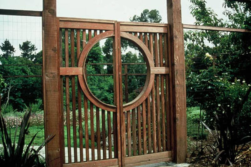 Garden-Fence-Gate-Ideas