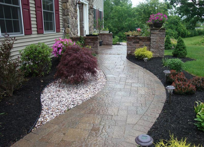 Residential-Walkway-Designs