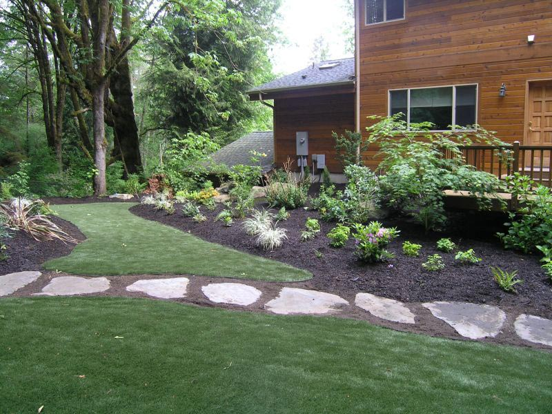 Walkway-To-Backyard