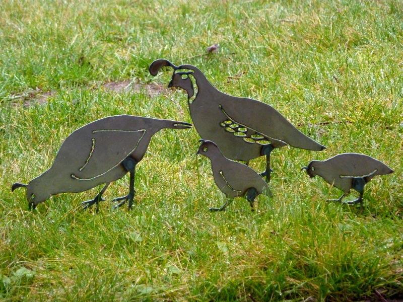 quail-lawn-ornaments