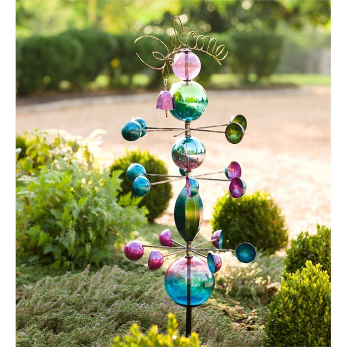 Decorative garden stakes bring beautiful accents to garden for Decorative garden stakes
